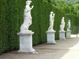 And yet more statues - a bit better than Bunnings garden centre eh?