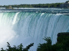 But Horseshoe Falls are the real attraction